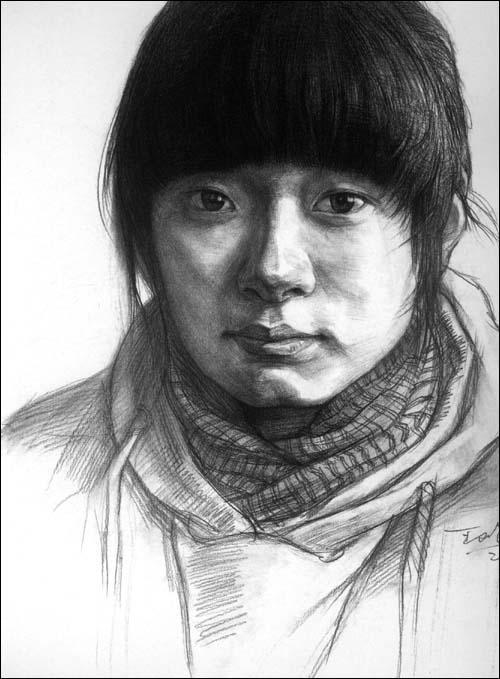 《王峰素描头像范画精选》()【简介|评价|摘要|在线